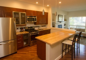 785,Station,Victoria,Canada,2 Bedrooms Bedrooms,2 BathroomsBathrooms,Townhouse,Station,2,1036