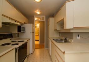 3900, Shelbourne, Victoria, Canada, 2 Bedrooms Bedrooms, ,2 BathroomsBathrooms,Condo,Sold,Caywood Court,Shelbourne,1,1064