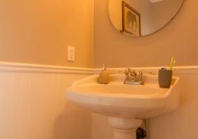 3228, Wicklow Street, Victoria, Canada, 3 Bedrooms Bedrooms, ,2 BathroomsBathrooms,Townhouse,Sold,Wicklow Court,Wicklow Street,1069