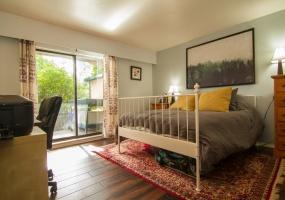 3277, Quadra Street, Victoria, Canada, 2 Bedrooms Bedrooms, ,1 BathroomBathrooms,Condo,Sold,Quadra Street,1,1075